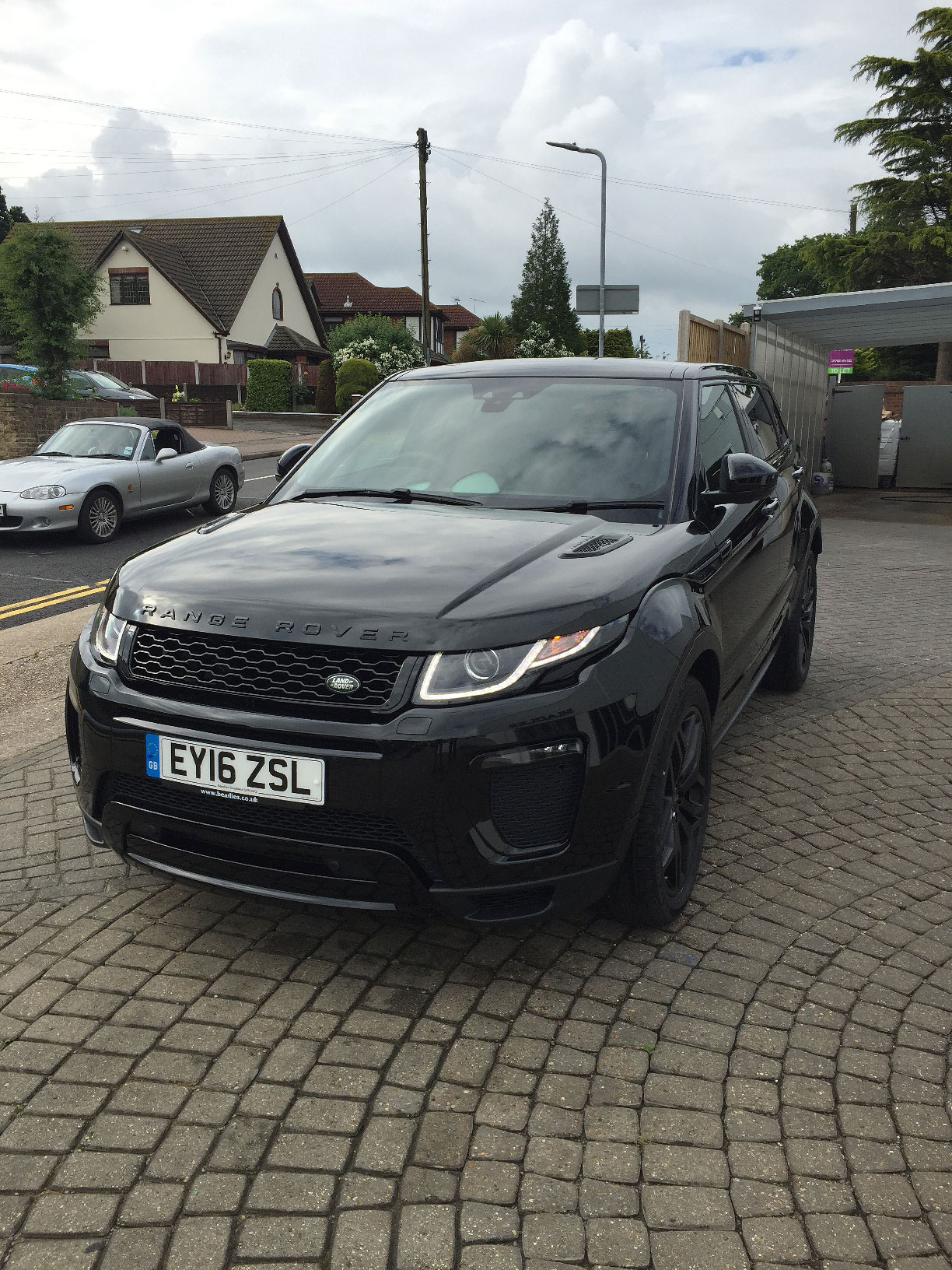 new owner hello from christophe range rover evoque forums page 1. Black Bedroom Furniture Sets. Home Design Ideas